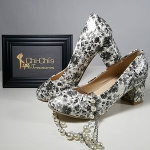 Shoes - ROUND TOE FLORAL PRINT HEELS